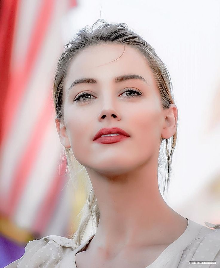 I donu0027t like Amber Heard, but this picture of her is so pretty