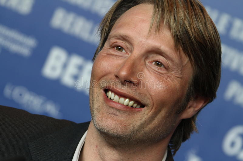 Mads Mikkelsen Clipart Mads Mikkelsen editorial image. Image of premiere, smile - 24021345