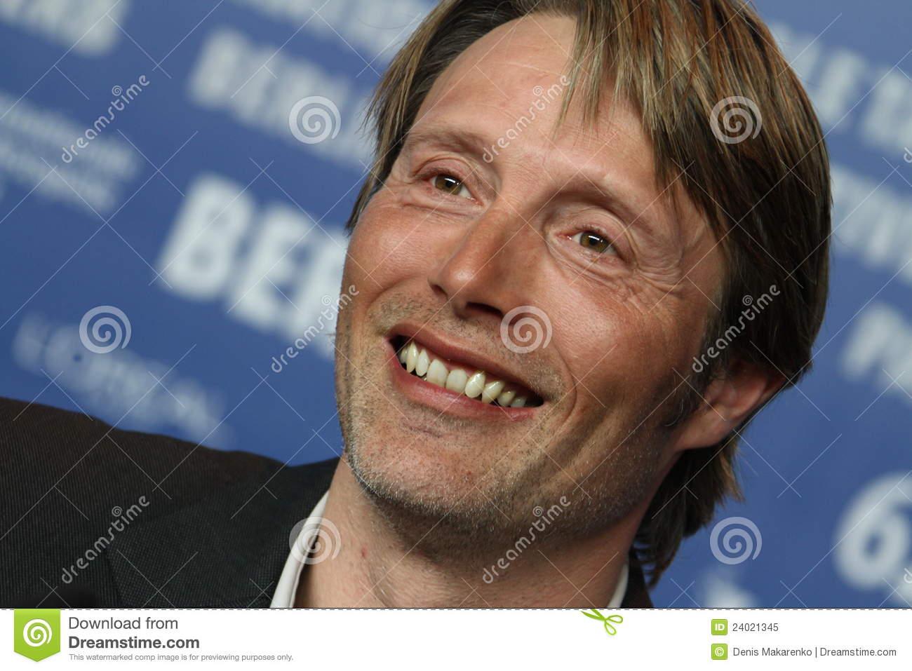 Mads Mikkelsen. Premiere, smile.