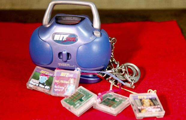 Pause your iTunes, close out of your Spotify u2014 itu0026#39;s time to bring back HitClips. Sixty seconds of hearing poor-quality versions of your favorite songs ...