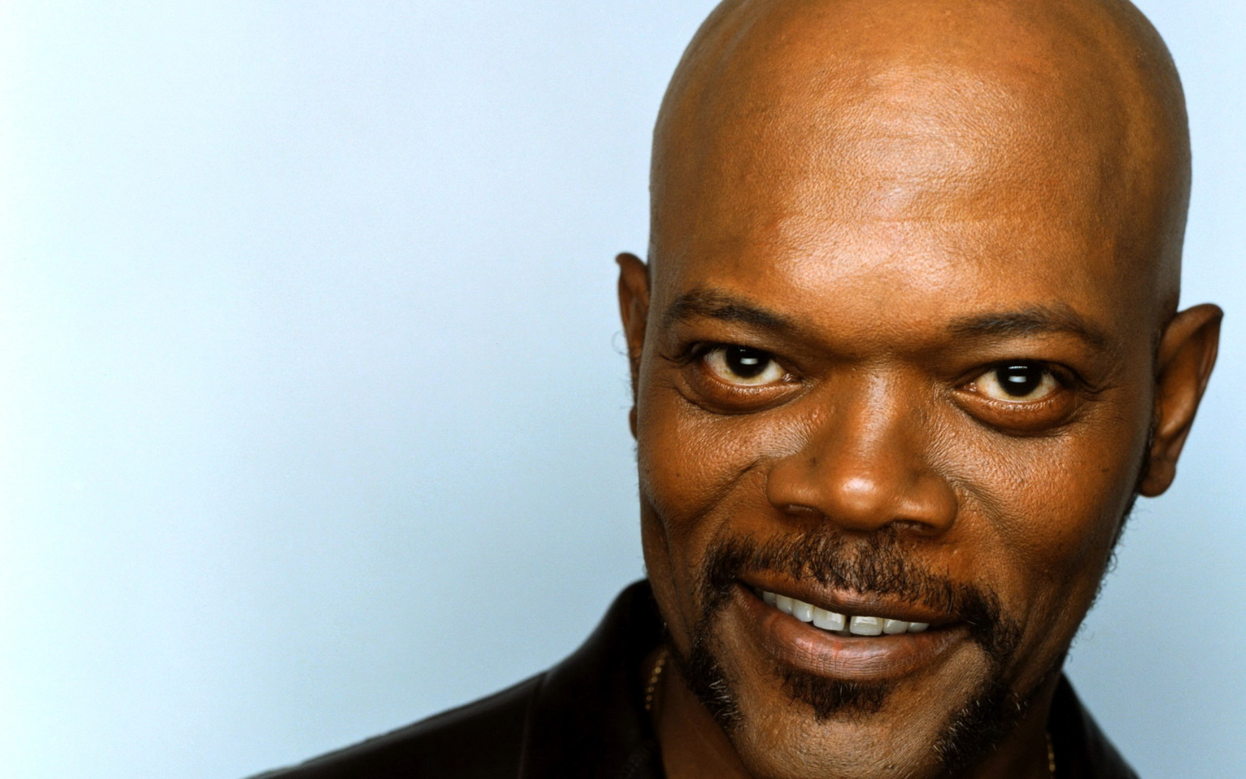 Samuel L Jackson Clipart Wallpaper 2560x1600 Samuel l jackson, Brown-eyed, Smiling